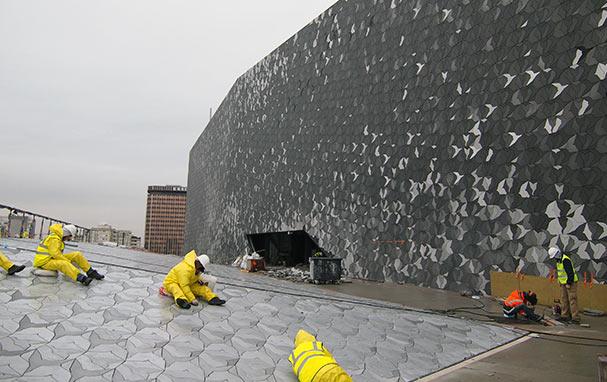 Sur le toit de la Philharmonie en chantier