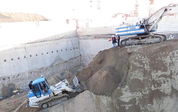 Une phase délicate de terrassement des terres sur chantier